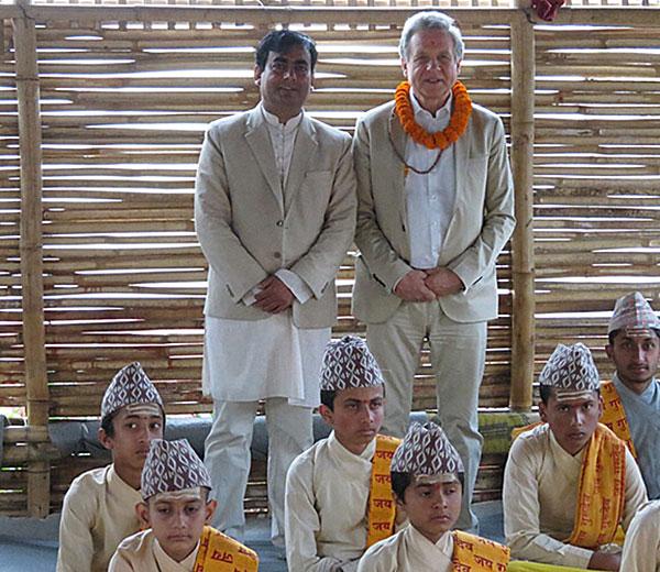 Dilli Ram Adhikari, Betreuer des Ausbildungsprogramms