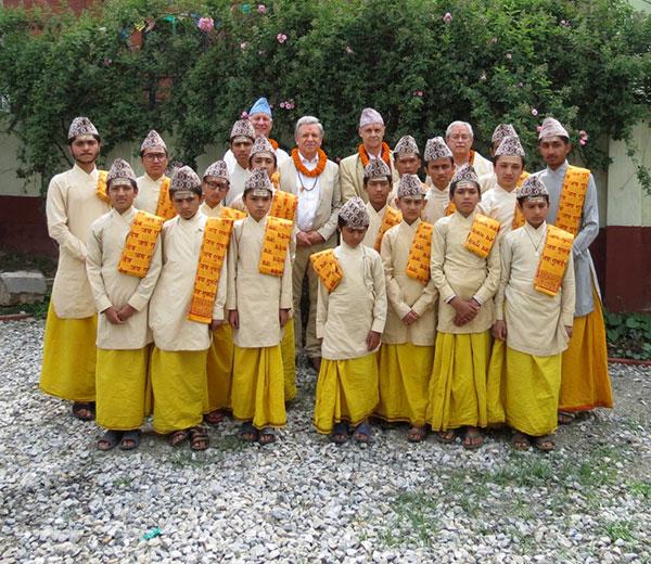Lothar Pirc besucht die Gurukul in Siphal Chauri, Kathmandu, Nepal