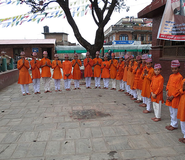 Pandits der Budhanilakanth Gurukul